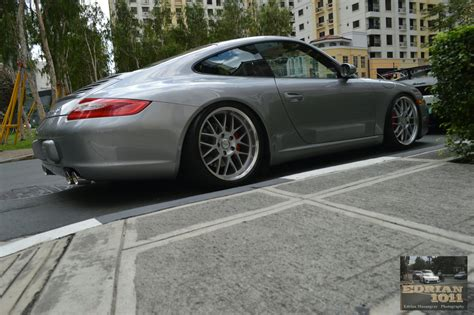 Lowered Porsche 911 997 S