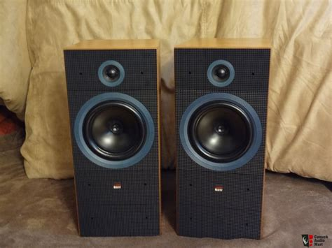 beautiful speakers gorgeous rare b w matrix 2 speakers in beautiful walnut
