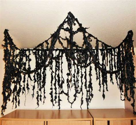 11 easy diy halloween decorations with trash bags top 20 ideas turn trash bags into creepy halloween