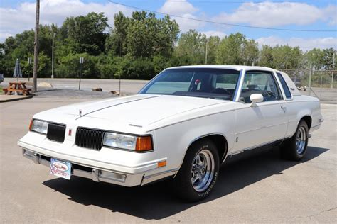 oldsmobile cutlass supreme 1987 oldsmobile cutlass supreme midwest car exchange