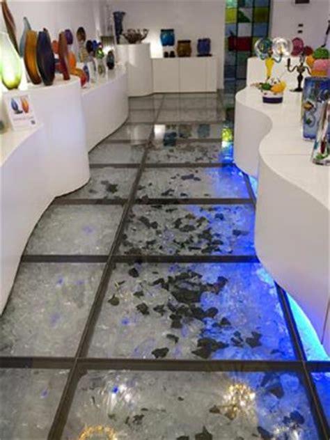 pavimento di vetro il pavimento in vetro