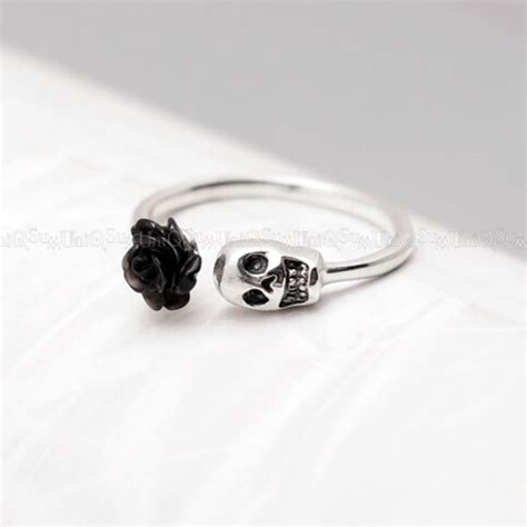 black 925 sterling silver skull ring