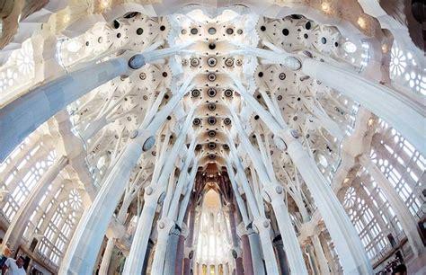 Book Sagrada Familia Tickets Online: Fast Track Access