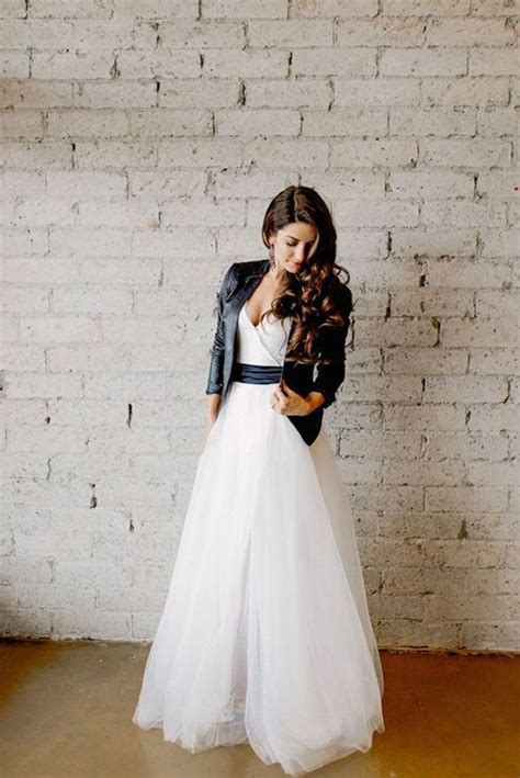 White Rock Wedding Dresses by 27 Chic Ways To Rock A Leather Jacket At Your Wedding