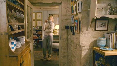 Inside Homes Decorated For Christmas by Kate Winslet S English Cottage In Quot The Holiday Quot