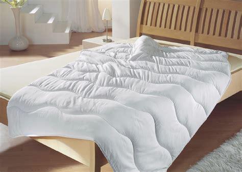 Bett Weiß 200 X 220 by 4 Jahreszeiten Bett Bettdecke Quot Moon Quot 135x200 155x220