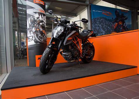 Motorrad G Ppingen by Bilder Aus Der Galerie Ktm G 246 Ppingen Des H 228 Ndlers Triumph