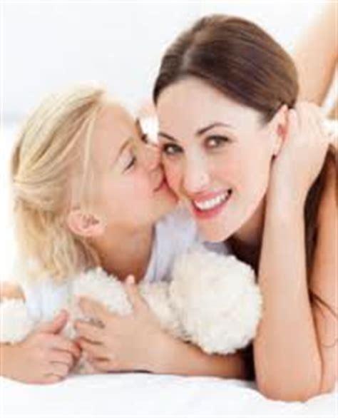 imagenes tiernas mama e hija frase para mama en la ceremonia de velas glam15