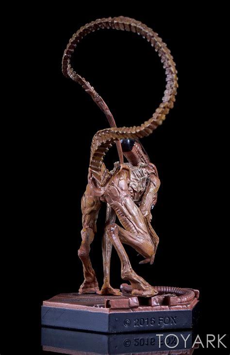 Predator Statue eaglemoss aliens and predator statues toyark photo shoot the toyark news