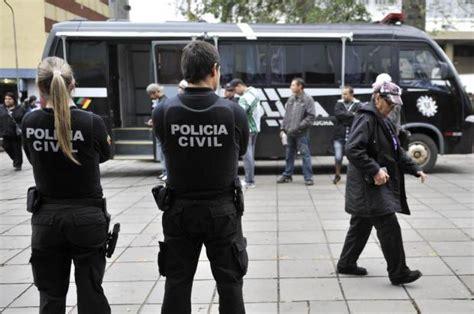 Tas Bs Cinil pol 237 cia civil faz a 231 227 o para identificar punguistas no centro da capital pol 237 cia