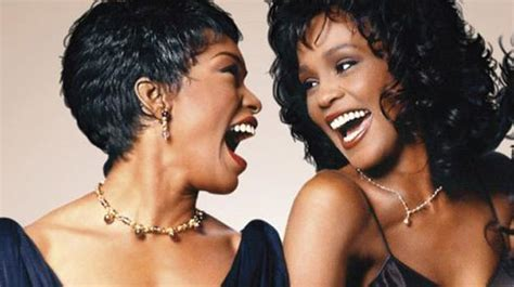 angela bassett opens up about whitney houston on wwhl whitney questa sera su sky cinema 1 rb casting