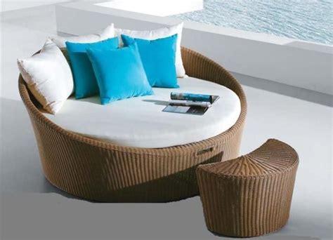runde wicker ottoman trendy patio furniture hometone