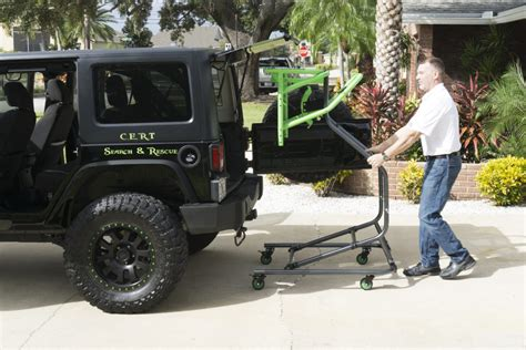 jeep wrangler top removal one person jeep hardtop hoist what sets us apart toplift pros