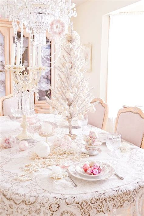 44 Delicate Shabby Chic Christmas D 233 Cor Ideas Digsdigs Shabby Chic Table Settings