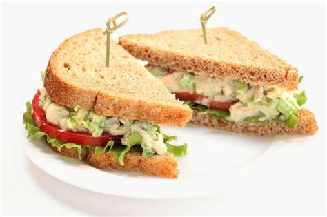 Tuna Blackpepper King Sandwich no mayo tuna avocado salad bumble bee tuna and seafood