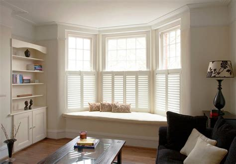 how to decorate bay windows decorating a bay window