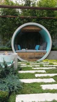 garden design ideas presenting mini fountain to beautify