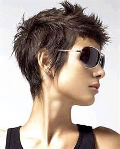 coiffure tres courte femme les tendances mode du automne