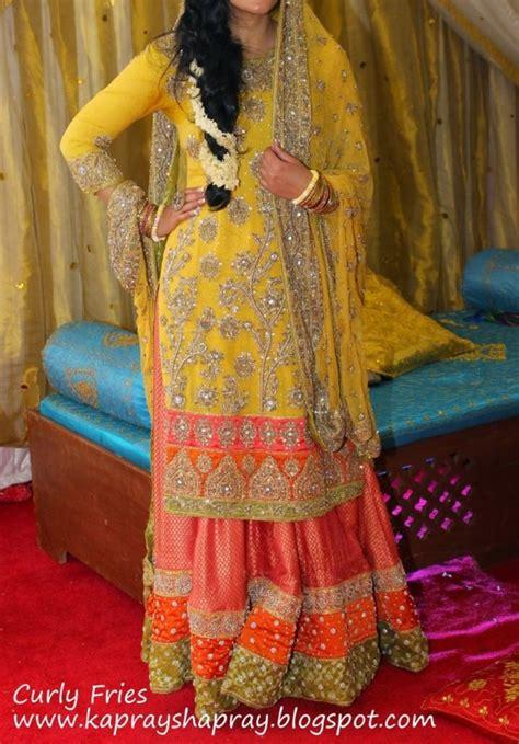 colour themes for mehndi pakistani mehndi dresses 2017