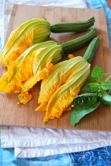 comment cuisiner les fleurs de courgettes fleurs de courgettes farcies v 233 g 233 tariennes recette