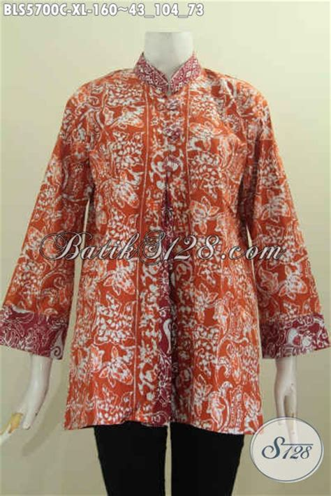 Model Pake batik blus model pias pake kancing besar baju batik