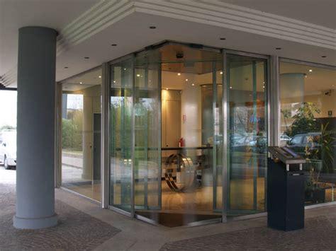 porte scorrevoli ad angolo psa porta automatica ad angolo automacenter
