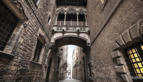 barcelona gothic quarter general information hotels apartments