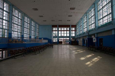 file new kapiri mposhi station interior jpg wikimedia commons