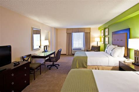 holiday inn suites across from universal orlando