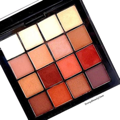 Eyeshadow Naked8 Matte Orange i used this nyx cosmetics warm neutrals palette so