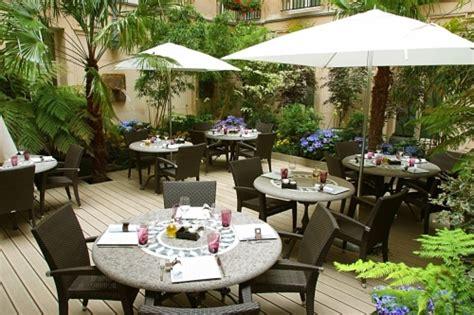 restaurant le w terrasse caf 233 faubourg ce restaurant a 233 t 233 rebaptis 233 les collections