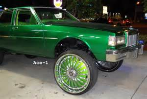 ace 1 green chevy box on 28 quot dub floaters