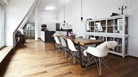 bello Tavoli Per Sala Da Pranzo Moderni #1: tavoli-moderni-Westwing_Magazin_Hausbesuch_Olga_Arnold_FINAL_15-825x464.jpg