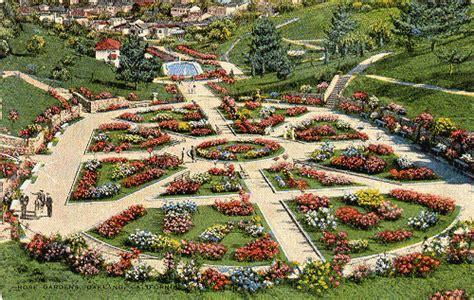 Garden Oakland by Baha News August 2004