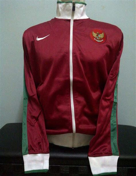 Jaket Diadora Nike Jk 1189 toko olahraga hawaii sports jaket nike indonesia maroon 2011 2012