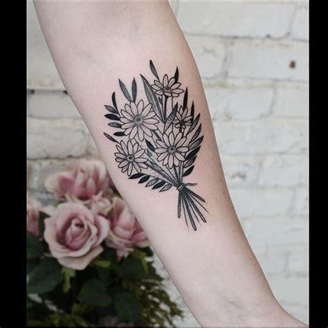 flower bouquet tattoo flower on the hip tattoogrid net