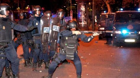 el policial octubre 2009 la batidora de gustos humor indignado rita barber 225 la