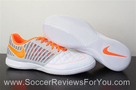 Harga Nike Gato 2 Futsal nike lunar gato 2 review soccer reviews for you
