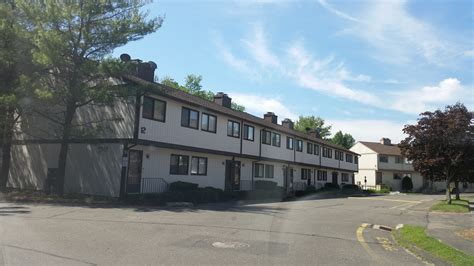 2 Bedroom Apartments For Rent In Danbury Ct by 1 Bedroom Apartments For Rent In Danbury Ct Dining Room Doors