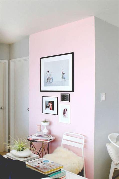 Merveilleux Couleur Pour Chambre Adulte #2: mur-double-couleur-peindre-une-pièce-en-deux-couleurs-rose-et-gris-salon-chic.jpg