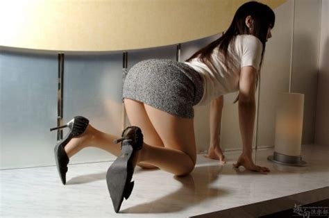 bent over skirt tight mini dress bent over mini skirt 30 cool women in mini skirts