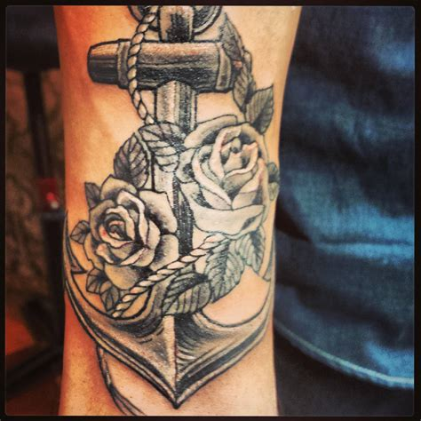 tattoo in queen creek az fresh anchor roses done by jen guertin of anchor steam