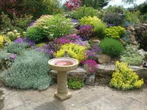Garden Ideas For Small Areas 9 Landscaping Ideas For Small Areas Benifox