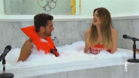 How To Take A Shower With Your Boyfriend by We Think A Bath With Your S Boyfriend Is A