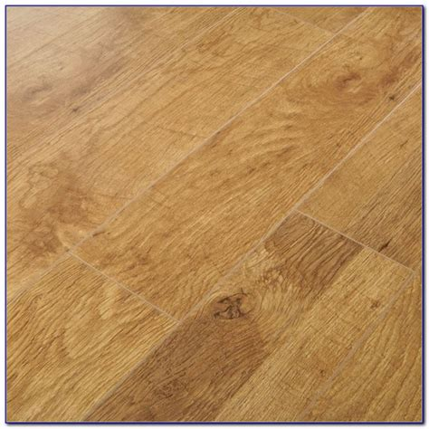 Harvest Oak Laminate Flooring 6mm   Flooring : Home