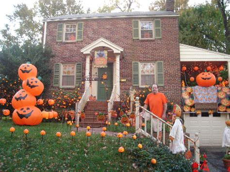 homes decorated for halloween the silver bee real estate by debbie cook 187 halloween