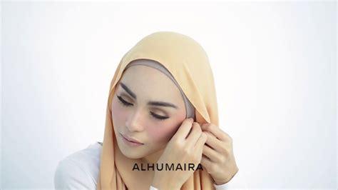 tutorial hijab menggunakan aksesoris anting tutorial hijab tetap perlihatkan anting di telinga cocok