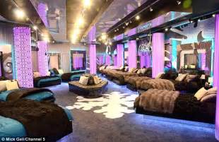 Houses With 4 Bedrooms Celebrity Big Brother 2012 Line Up First Look At New