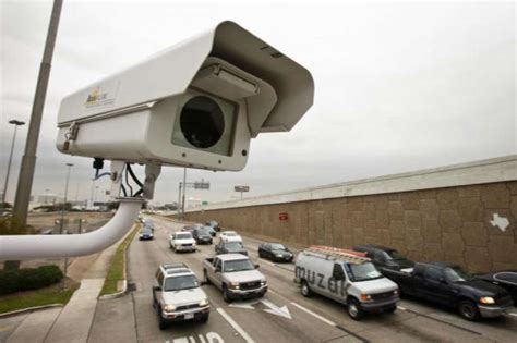 houston light cameras leaders weigh options after judge annuls light