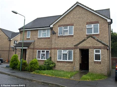 4 bedroom council house couple on 163 32 000 a year in benefits demand bigger council